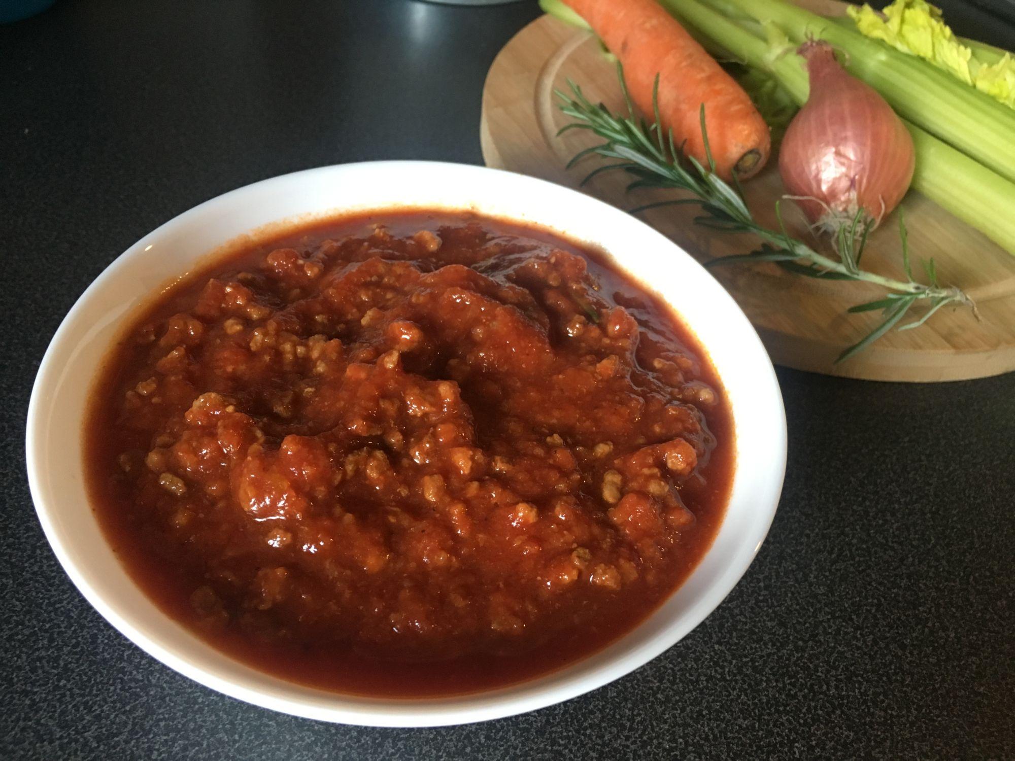 Boloňská omáčka na těstoviny jen z hovězího masa