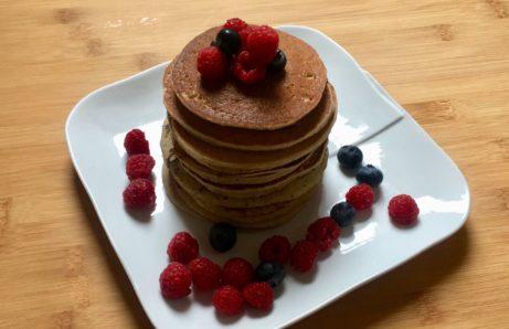 recept na zdravé lívance bez lepku, mléka a cukru.