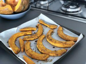 Pečená dýně je ideální příloha a jednoduchý recept, kterým nemužete zklamat.