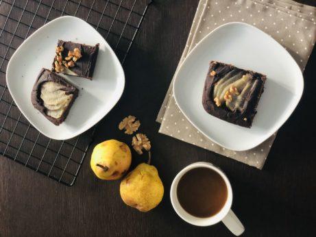 Kakao shruškami jsou skvělá kombinace. Vyzkoušejte tento jednoduchý kolář bez lepku, mléka acukru.