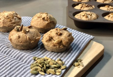 Pohankovo-mandlové žemle. Vyzkoušejte bezlepkový recept, kterým můžete nahradit klasické pečivo.